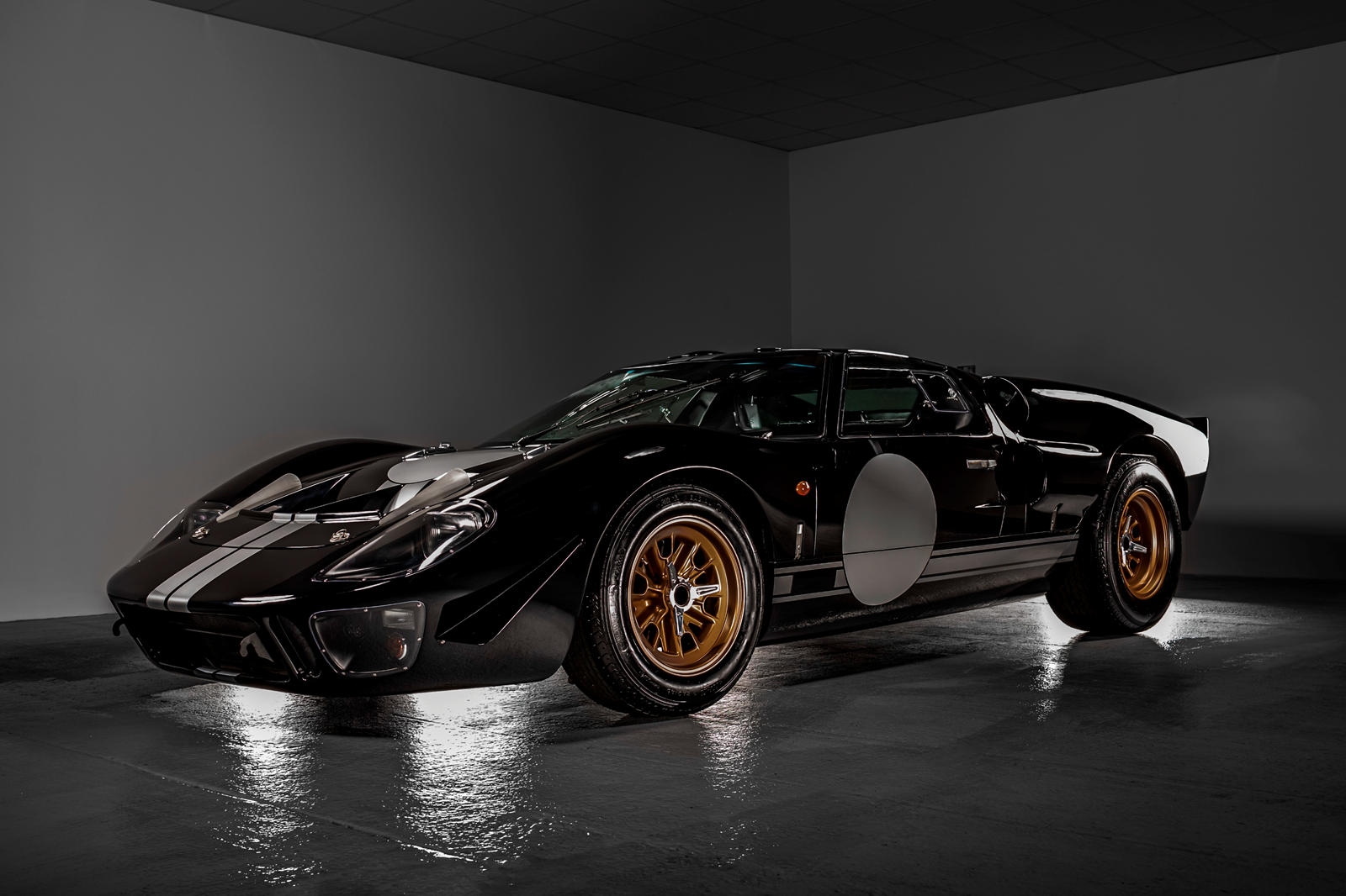 Iconic Ford GT40 Gets First Electric Powertrain